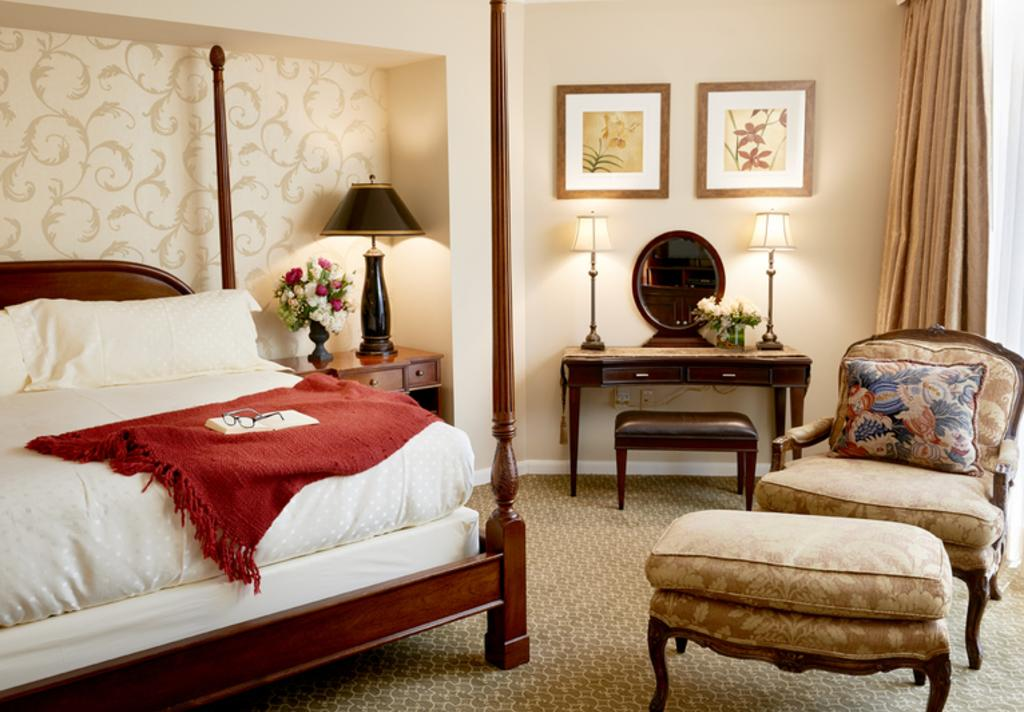 Houstonian Presidential Suite Bedroom - Ralph Smith Photography