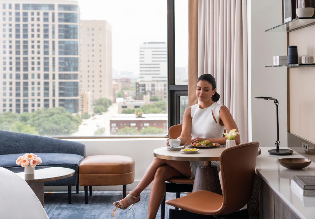 Woman eating in Room