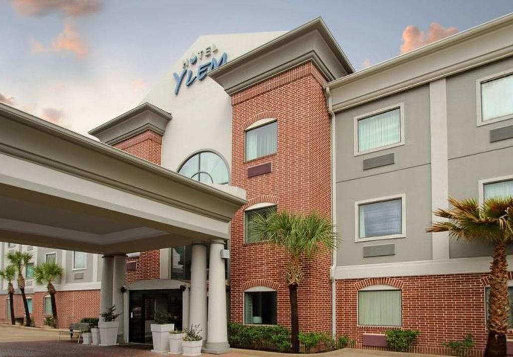 Ylem Hotel Entrance
