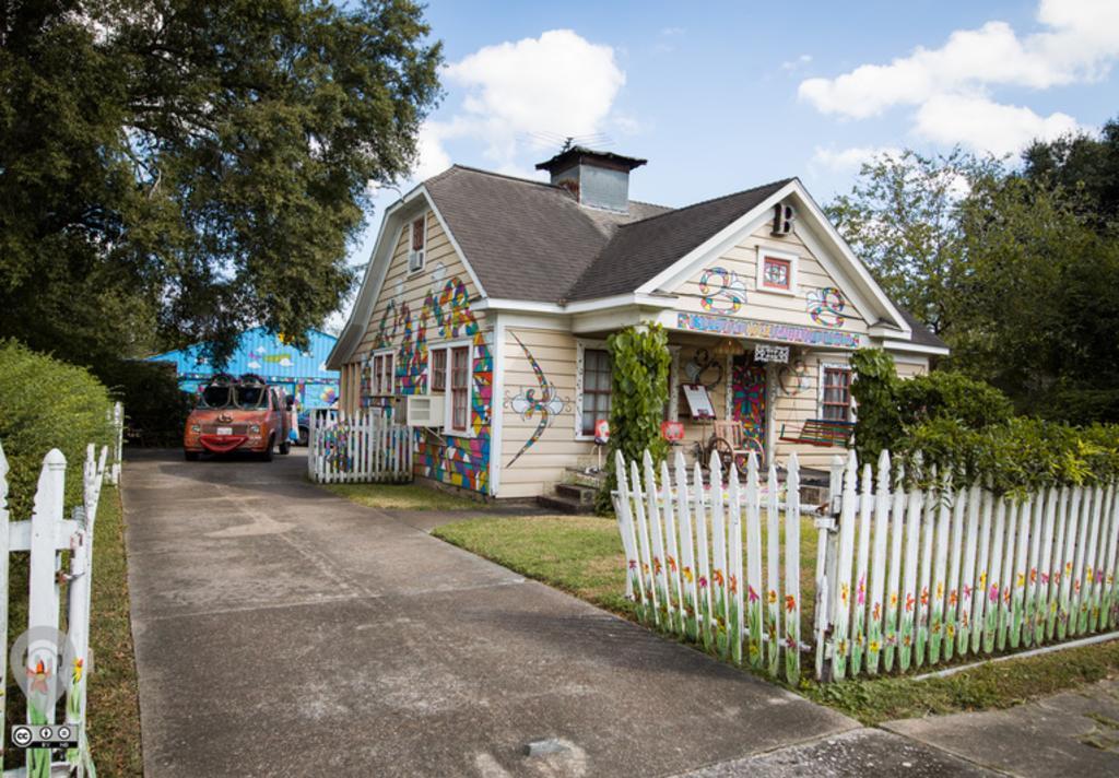 blue house 3