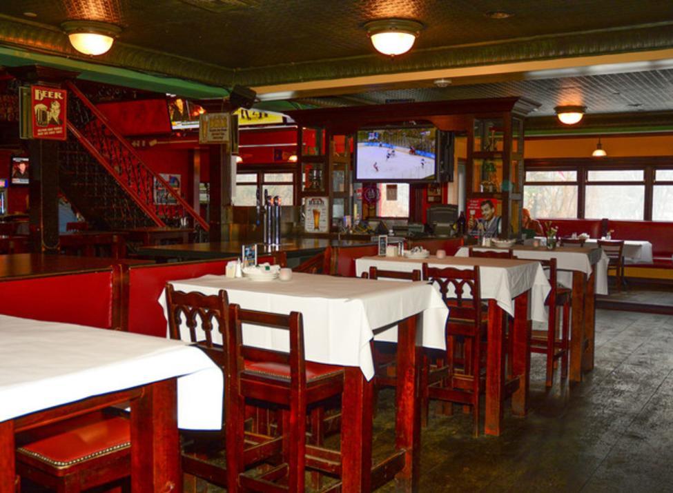 Burke's Bar and Restaurant