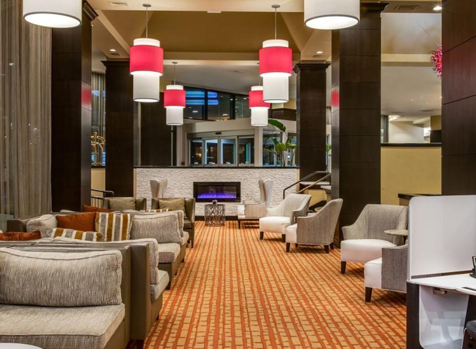 Sonesta lobby lounge