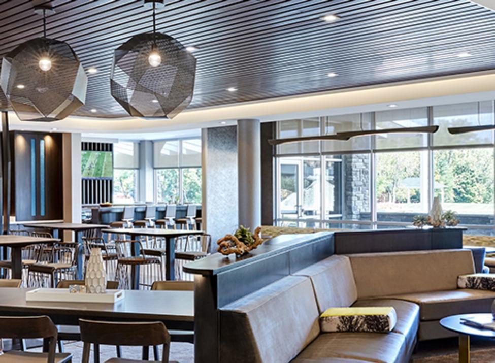 SpringHill Suites Tuckahoe lounge