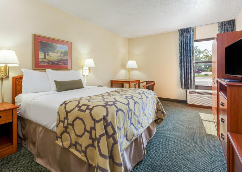 Baymont Inn & Suites East- ADA Handicap Accessible Room