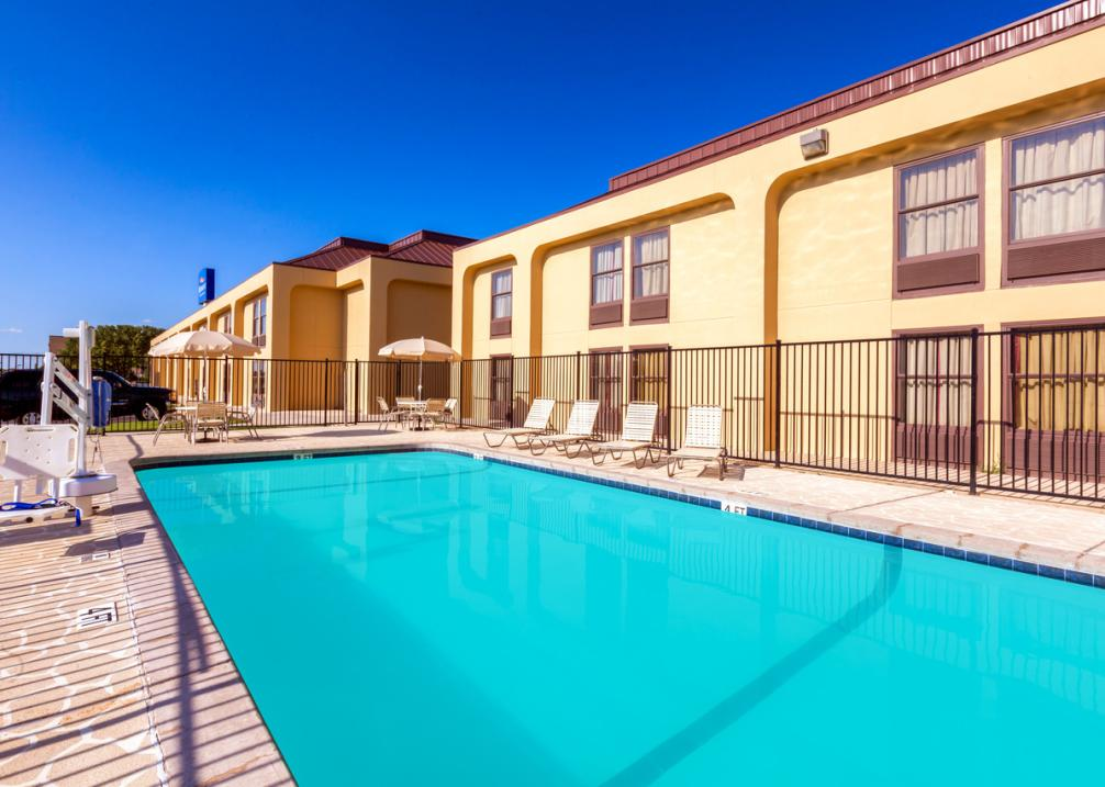 Baymont Inn & Suites East- Outdoor Pool