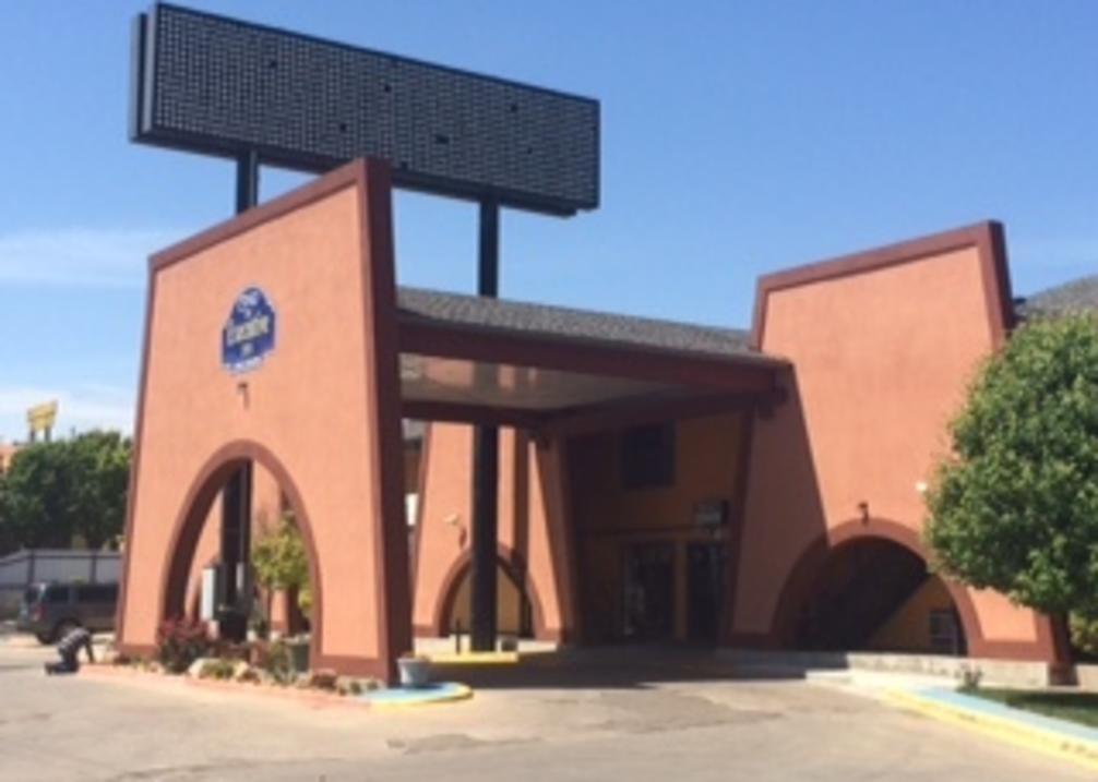 Executive Inn exterior