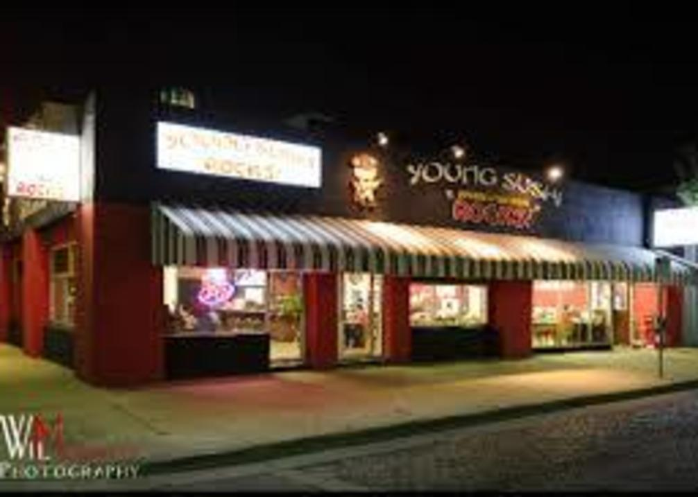 Young Sushi Rocks exterior