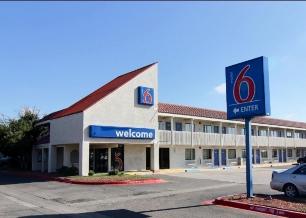 Motel 6 Airport