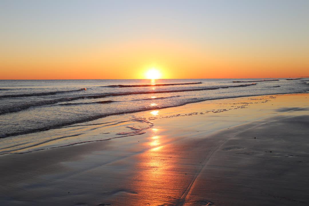 IMG_0796-sunset-Oct-Caswell-Beach