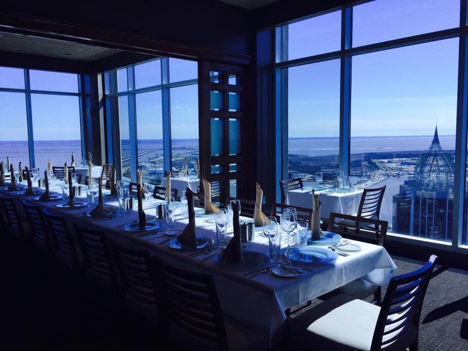 dauphins-restaurant-1