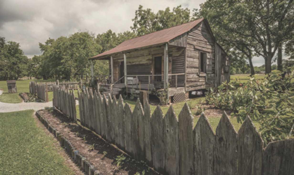 Laura Plantation : 1840s Slave Cabin