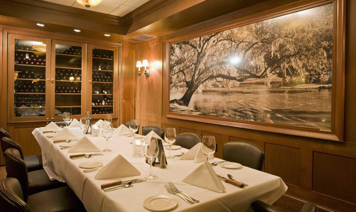 Dickie Brennan's Steakhouse Campagne Room