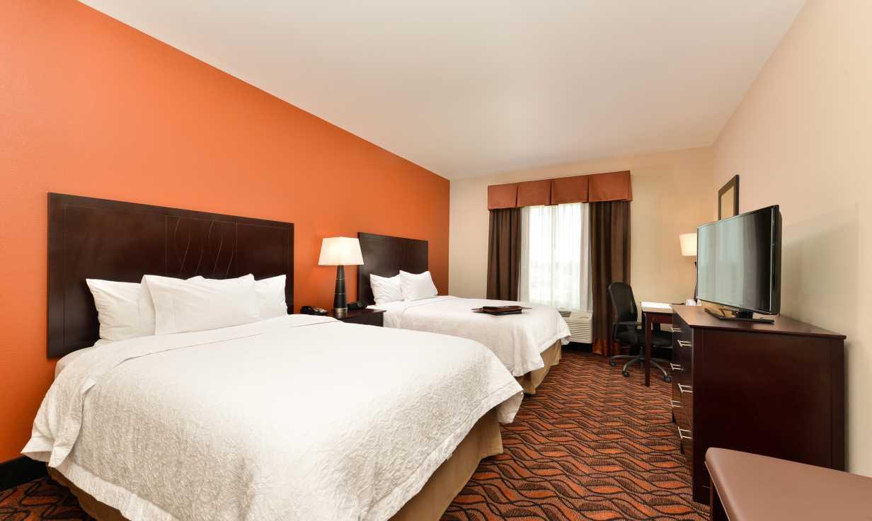 Hampton Inn Harvey Two Queen Room