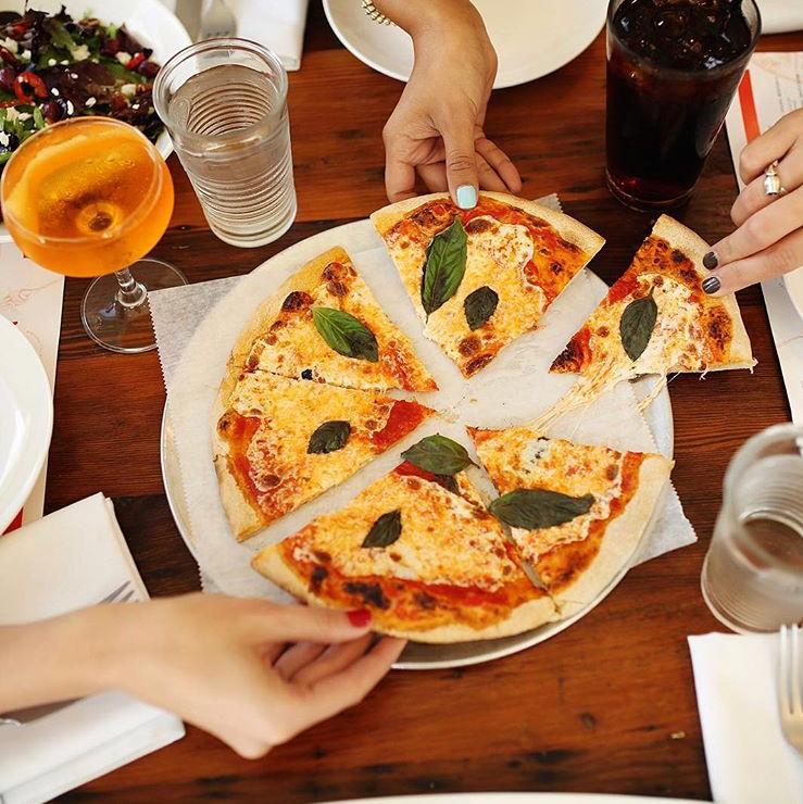 Dining Meribo Pizza - IG @meribopizza