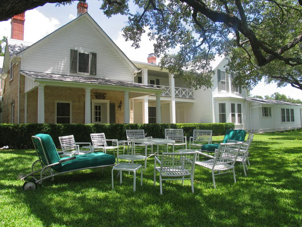 Lawn chairs in the yard at the Texas White House
