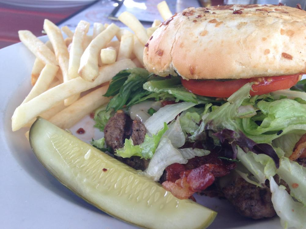 Hall's Gashouse Chicago Burger