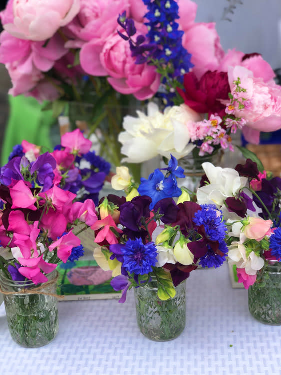 Farmers Markets - Fairbanks Alaska - bouquet