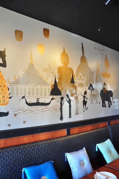 Wall mural with stupas, elephants and Buddha