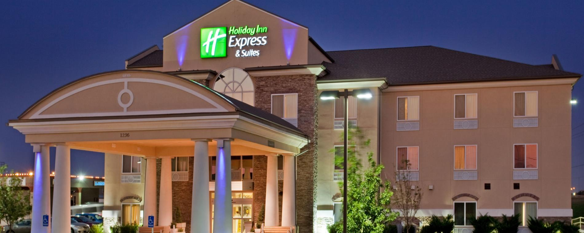 Holiday Inn Exp A/P Exterior Visit Wichita
