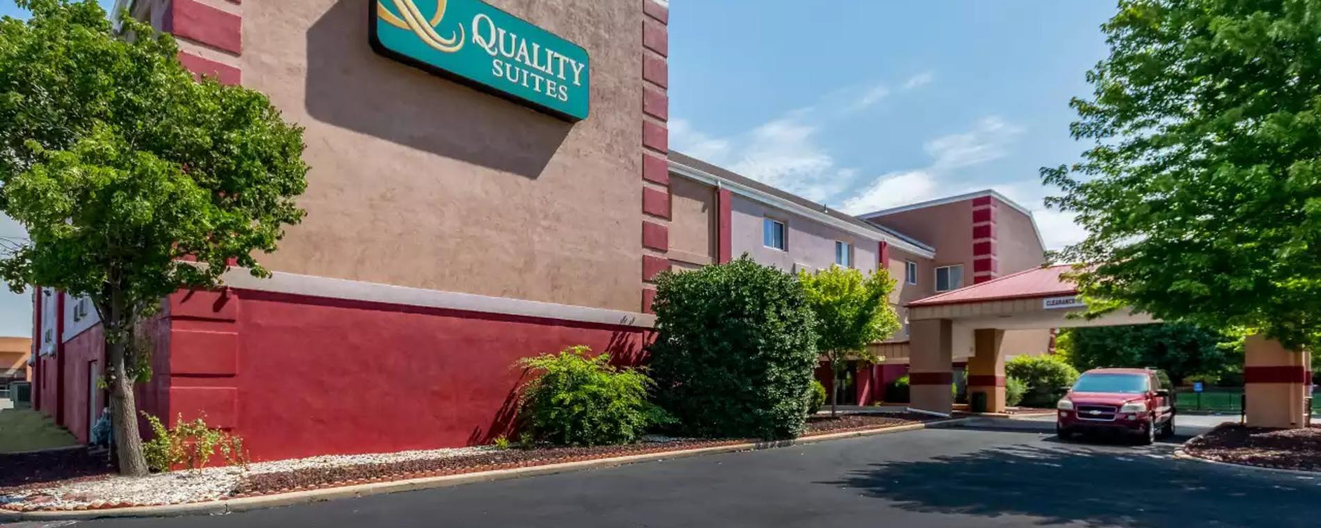 Quality Stes exterior Visit Wichita