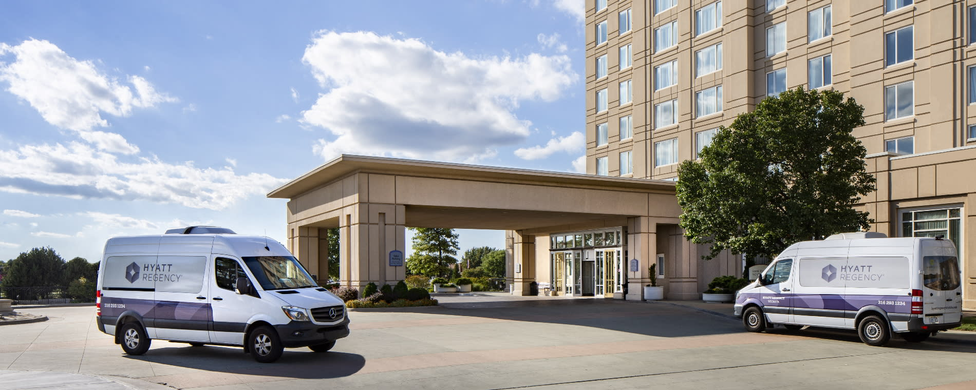 Hyatt Regency Wichita Exterior Shuttle
