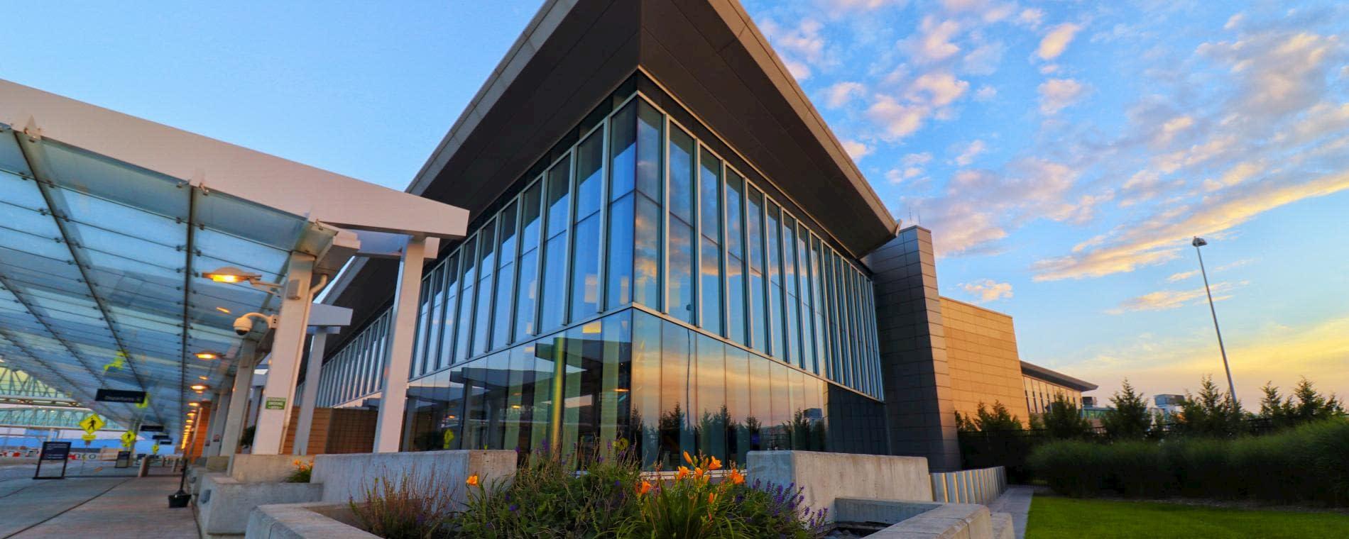 Wichita Airport - Dwight D. Eisenhower National Airport