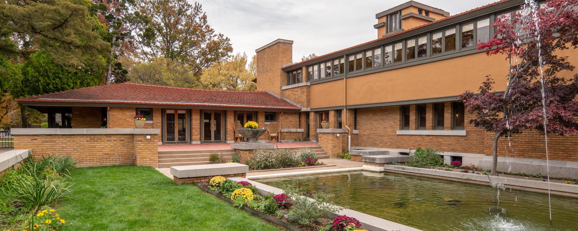Frank Lloyd Wright's Allen House Courtyard