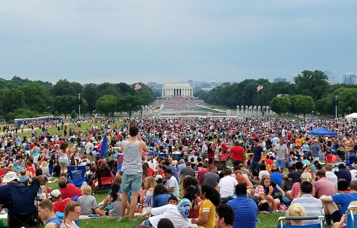 National Mall crowd in front of lincoln memorial