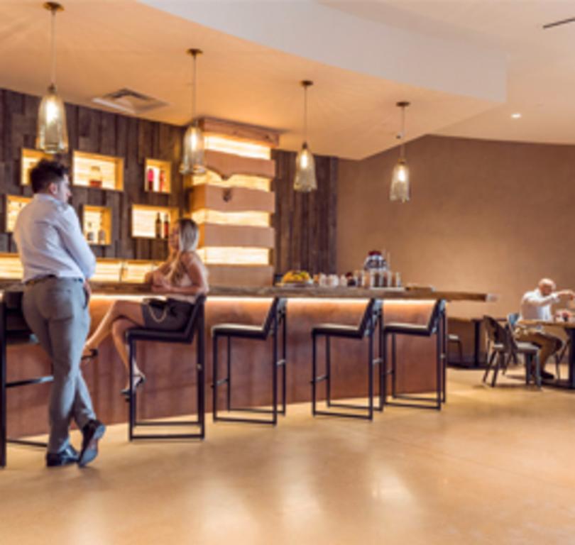 Equinox Café & Bar