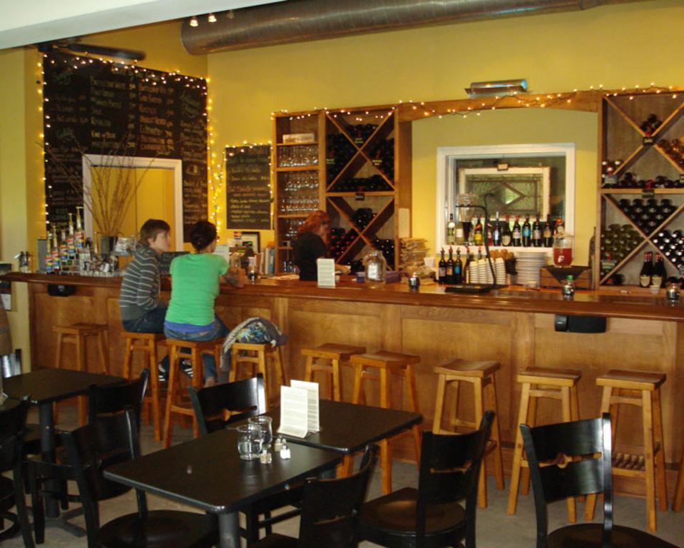 Auburn Road Vineyard & Winery
