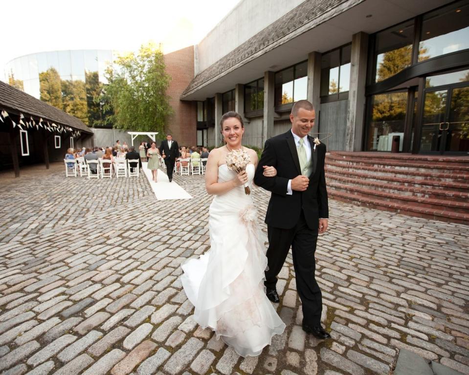 Wedding in the Brandywine River Museum of Art's courtyard