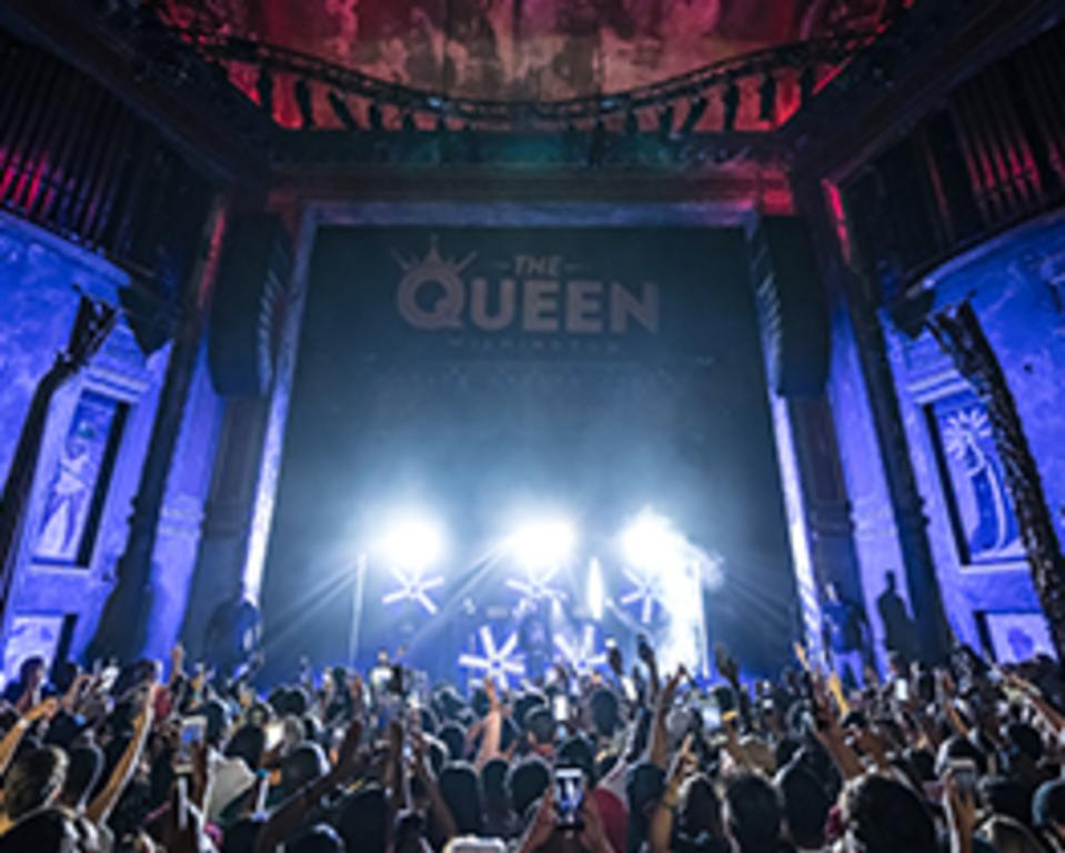 The Queen Stage