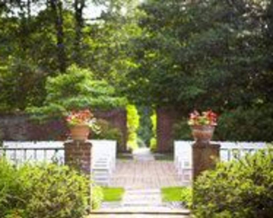 Dupont_Country_Club_Outdoor_Wedding