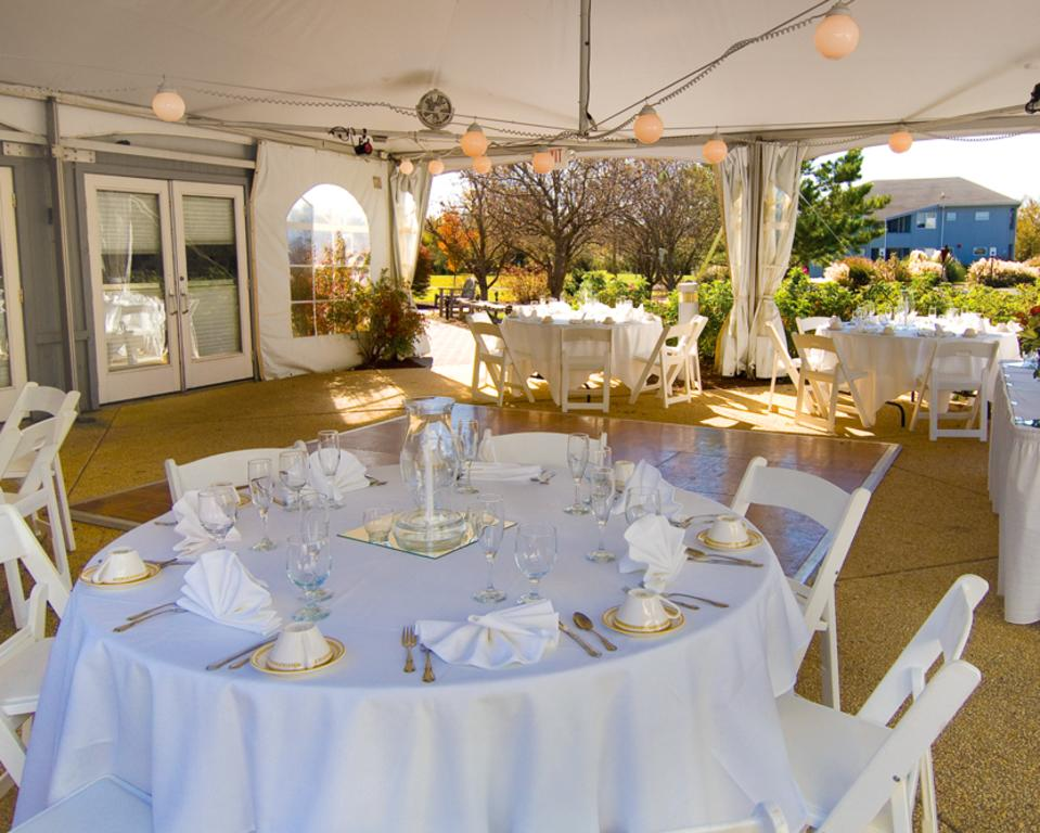 UD Virden Center Patio Wedding