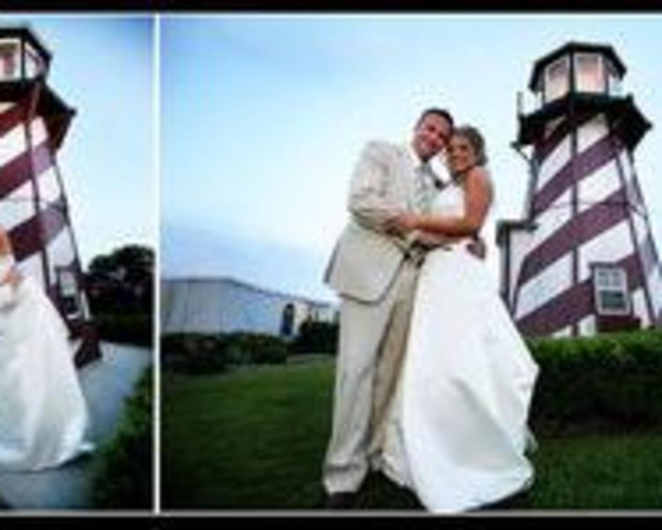 Bride and groom lighthouse