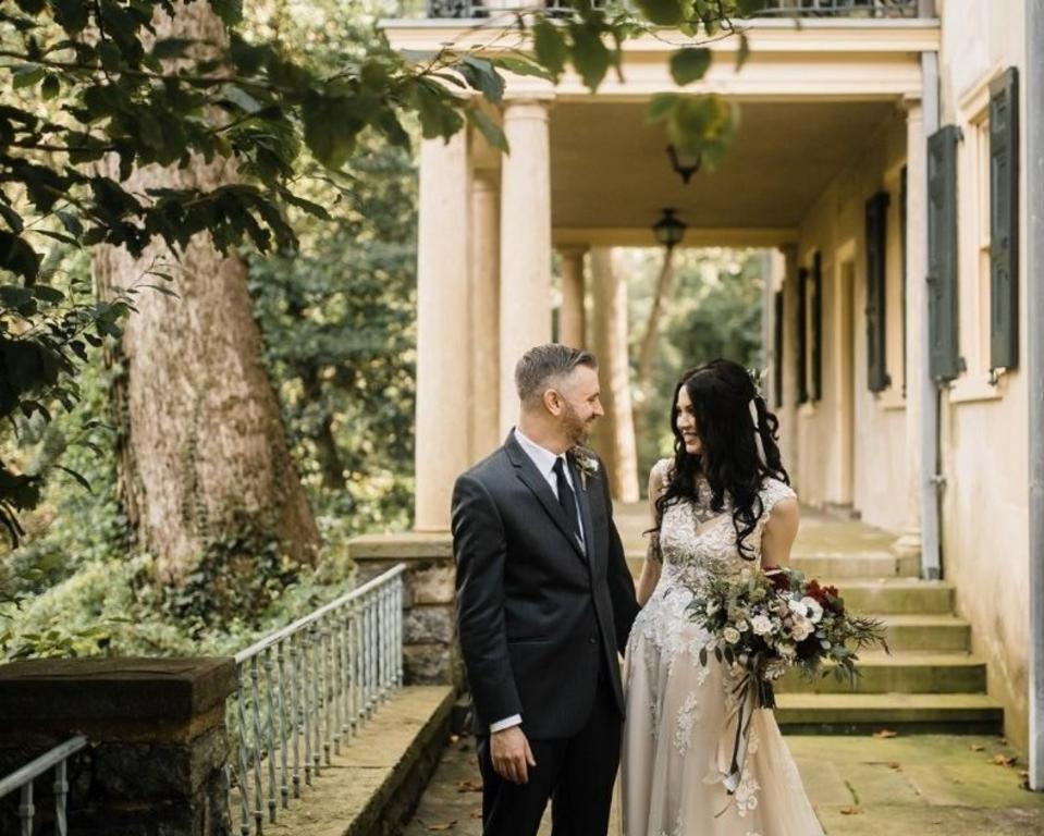 Wedding Couple - Terrace of Eleutherian Mills