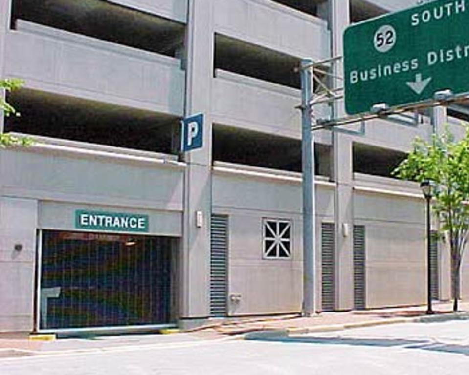 CORPORATE PLAZA GARAGE