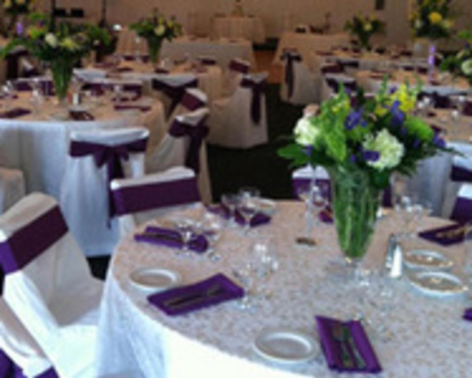 table setting purple.white