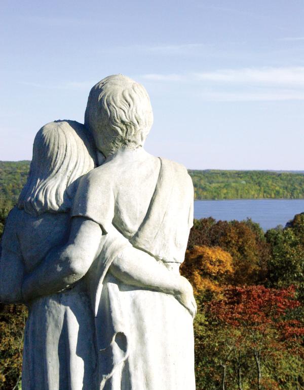 Scenic View Statue