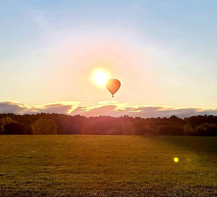 balloon-over-field