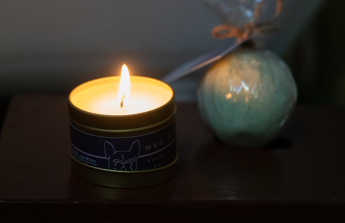 Chaleston & Harlow candle and a bath bomb