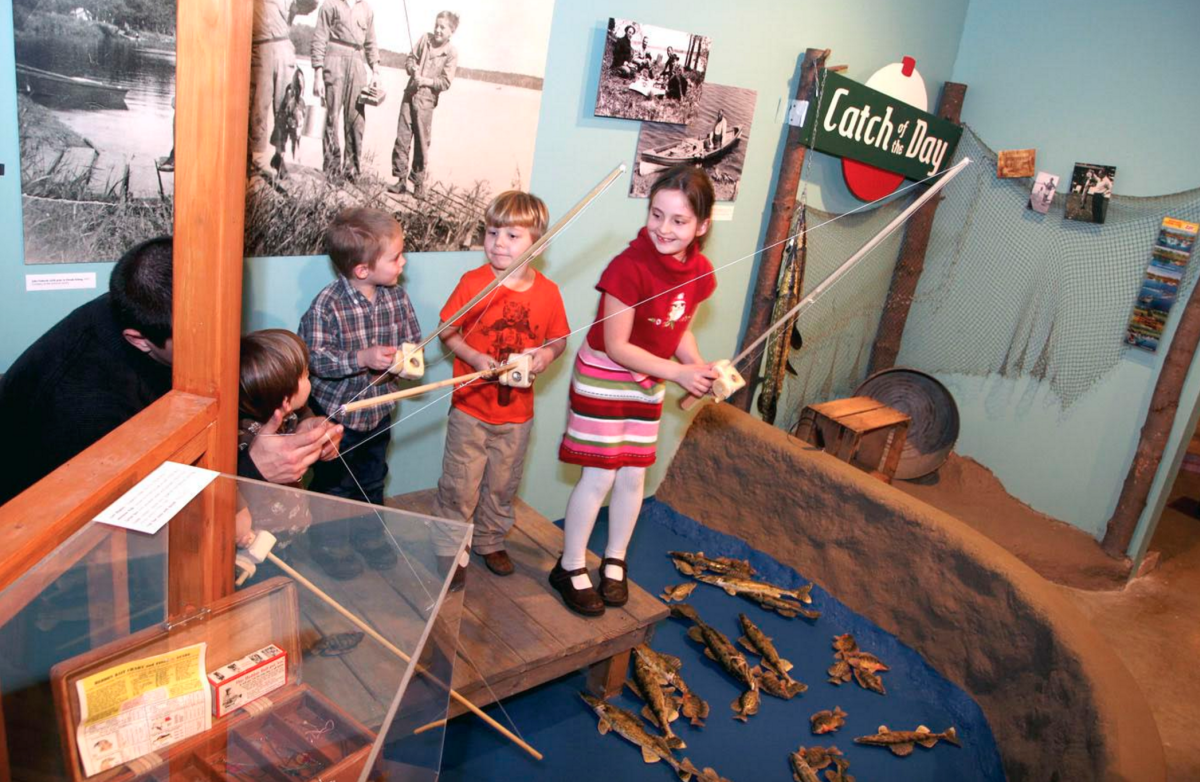 Kids learning about fishing at the Chippewa Valley Museum