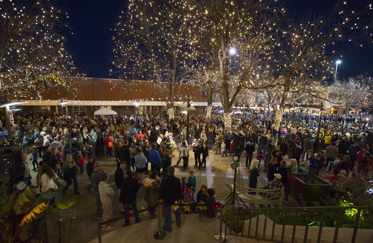 Downtown Holiday lights event