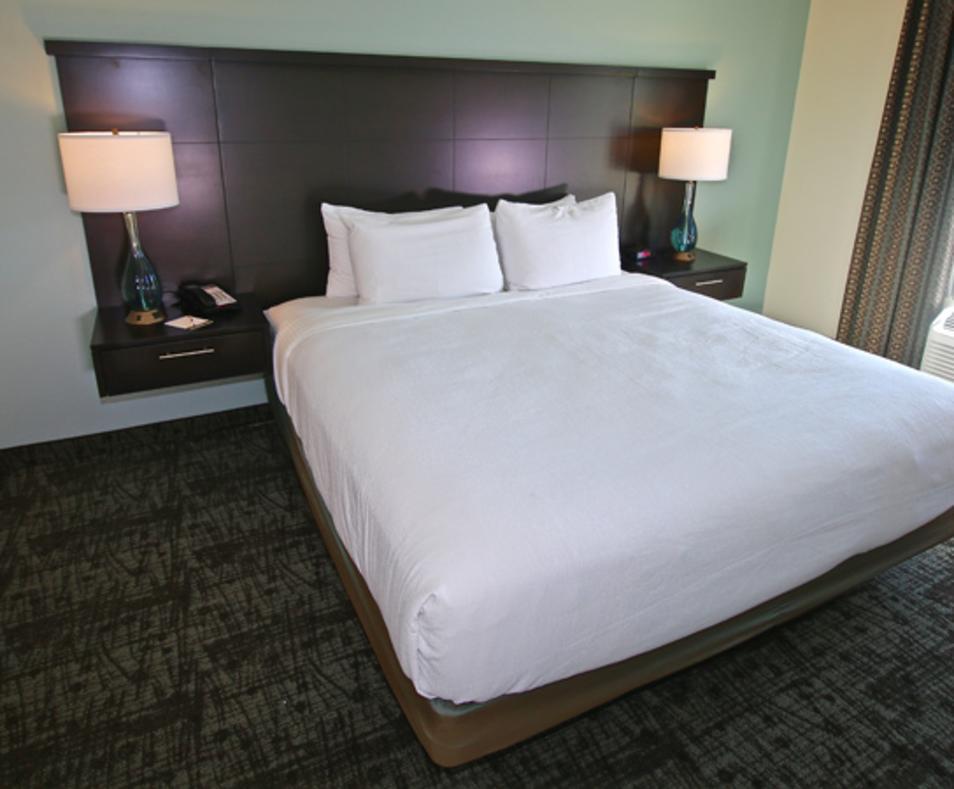 1 bedroom with queen