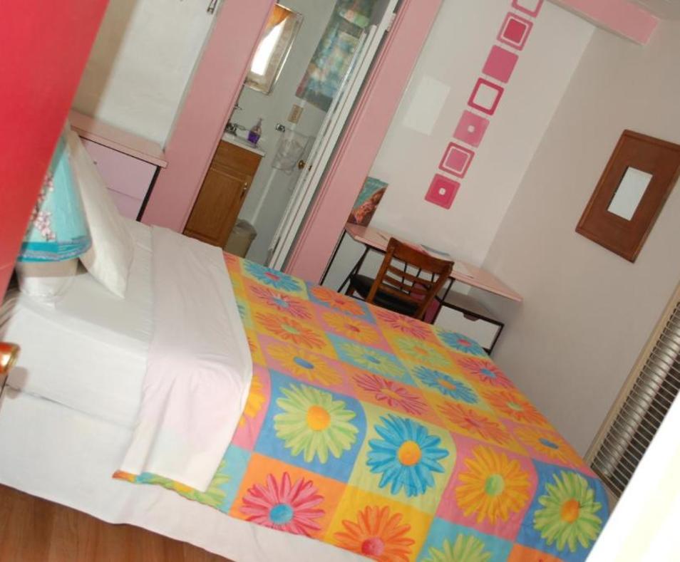 Aloha Hotel 12