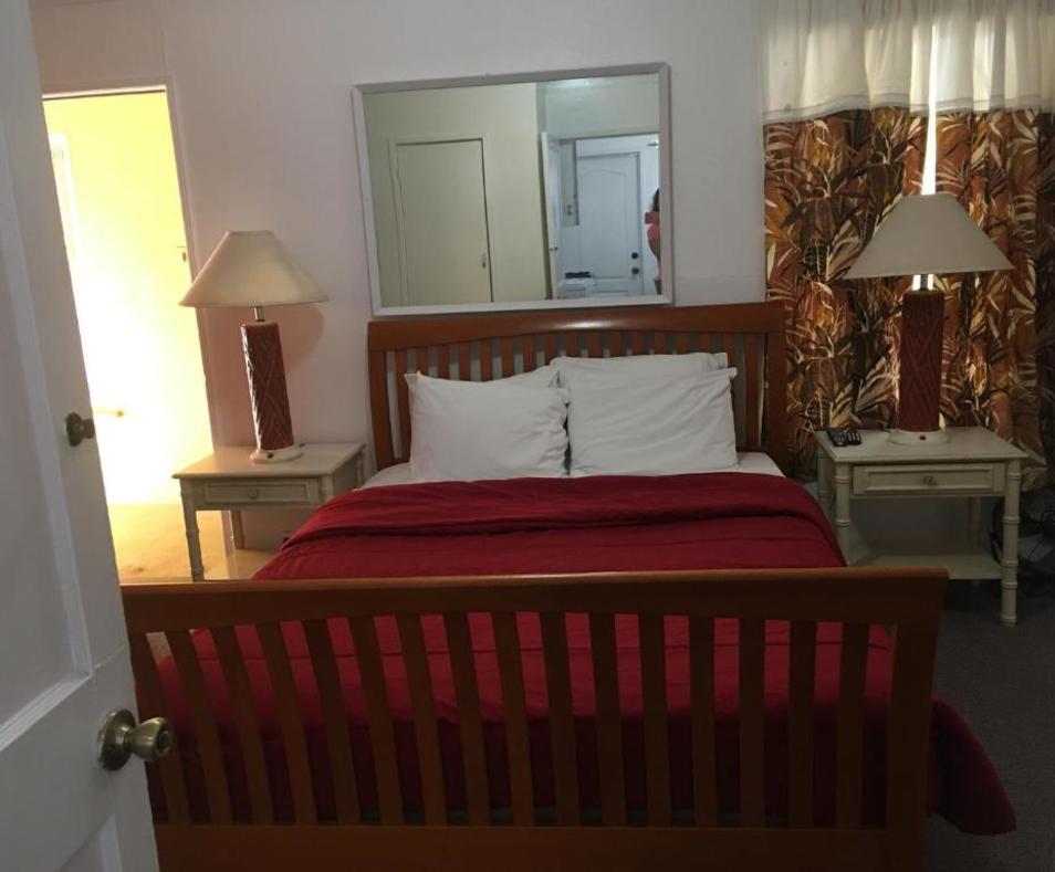 Aloha Hotel 5