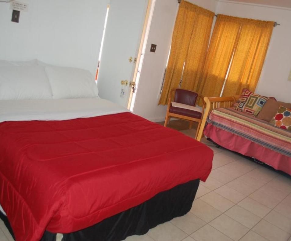 Aloha Hotel 9