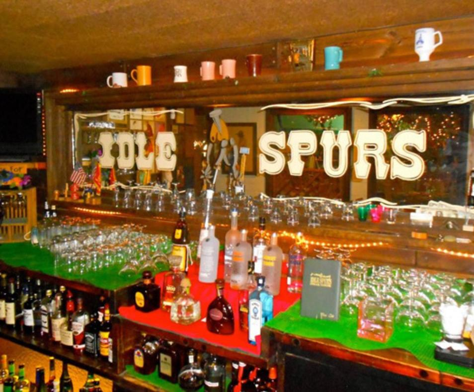 Idle Spurs bar