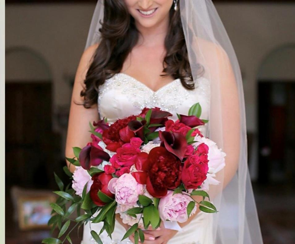 Bride red pink bouquet