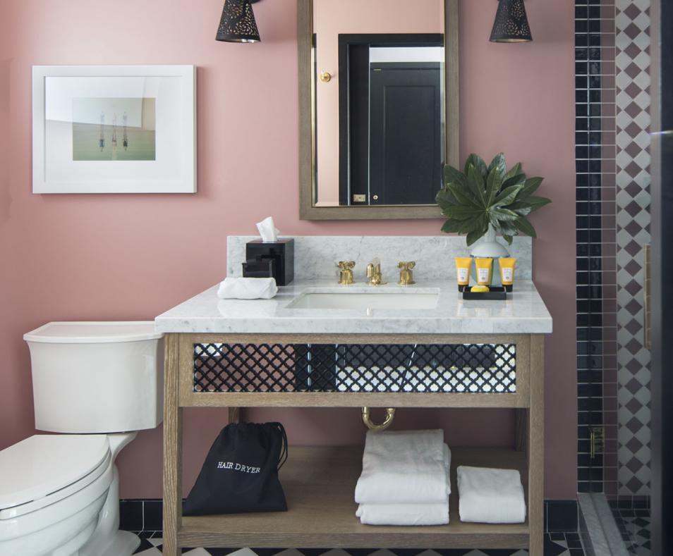 Classic & Superior King Bathroom